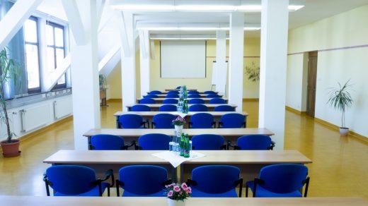 Učebna Podkroví 1 (až 50 míst)